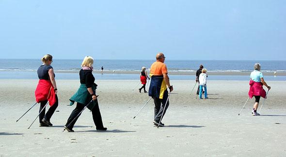 Seniorenwandern an der Nordsee